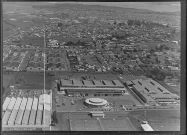 Image: Mt Wellington, Auckland,including CL Innes & Company soft-drink factory The Oasis, and surrounding area