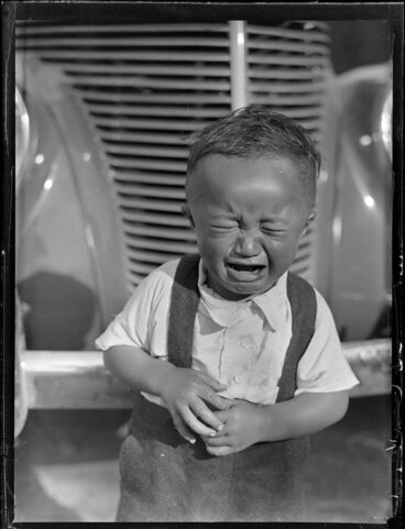 Image: Māori child crying, Tokaanu