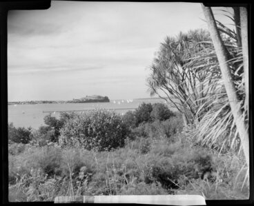 Image: Orakei, Auckland from Paritai Drive, showing Devonport and yachts