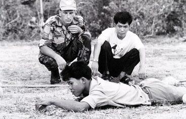 Image: Landmine clearing, Cambodia