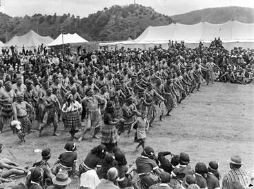 Image: Kapa haka, Waitangi Day 1947