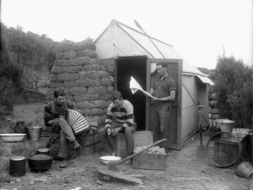 Image: Gum-digger's hut