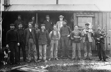 Image: Shetland Islanders on Campbell Island, about 1904