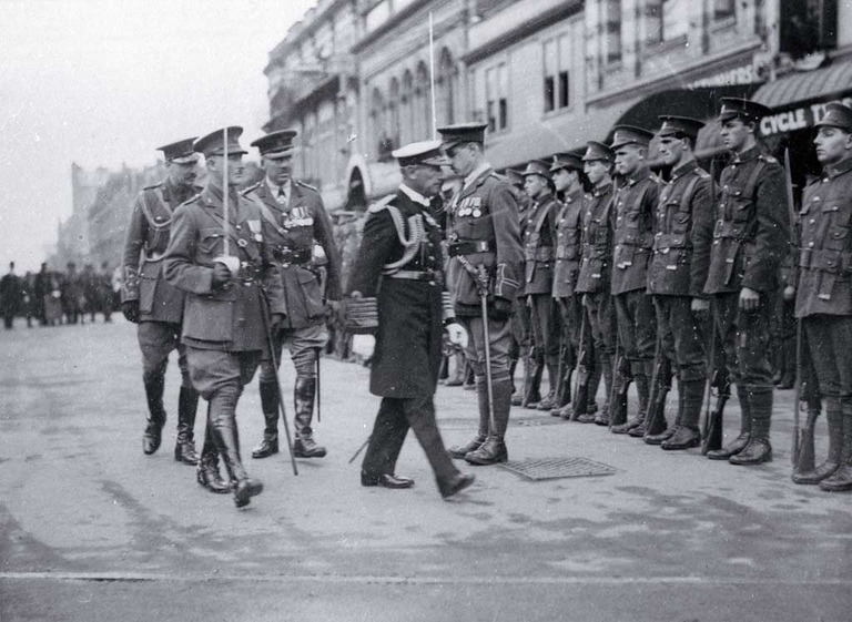 Lord Jellicoe inspects the First Canterbury Guard of Honour, Anzac Day, foundation stone ceremony, Bridge of Remembrance