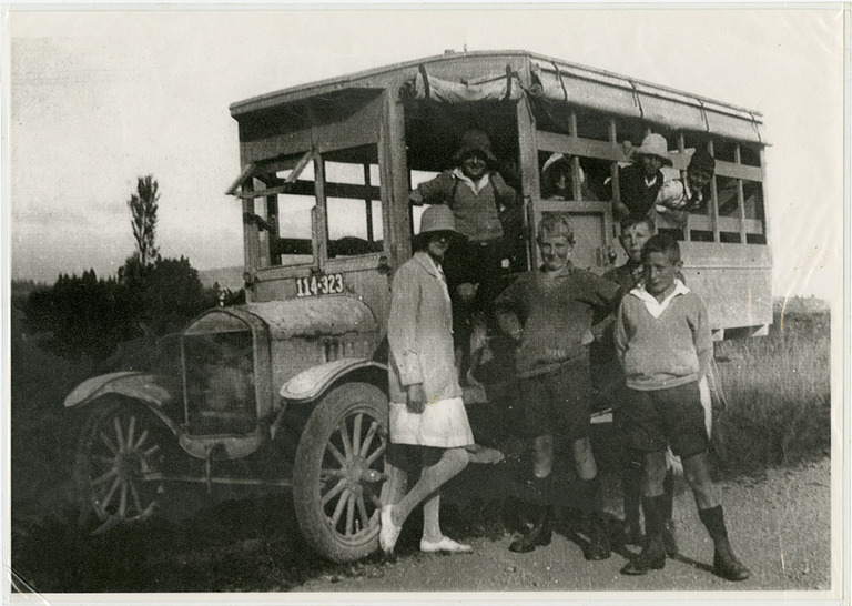 School Bus at Coopers Creek, Oxford