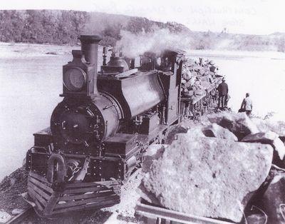 F class locomotive, construction of rock wall Buller River
