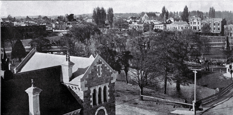 Victoria Square, Christchurch, 1910 : a panorama looking towards the north-east.
