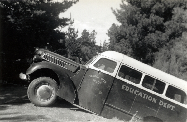 Bus in a ditch : Photograph