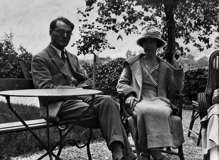 Baker, Ida :Katherine Mansfield and John Middleton Murry in garden at Chateau Belle Vue, Sierre, July 1922