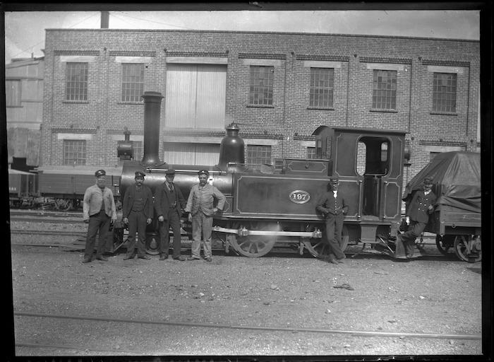 D class steam Neilson locomotive, New Zealand Railways number 197 (2-4-0T).