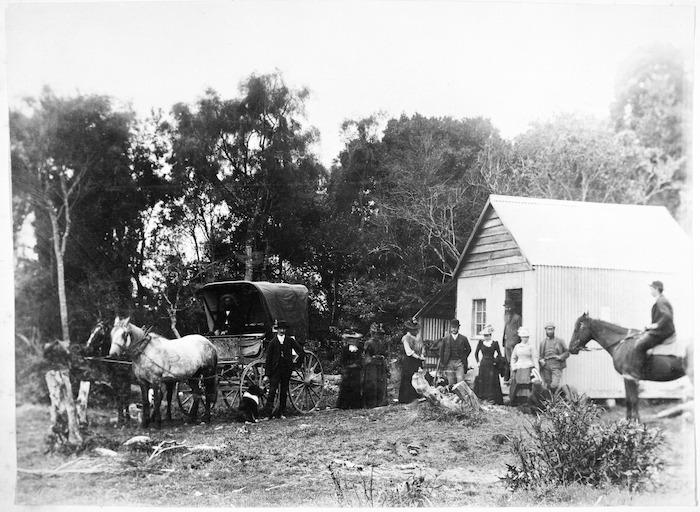 Women vote at their first election, Tahakopa