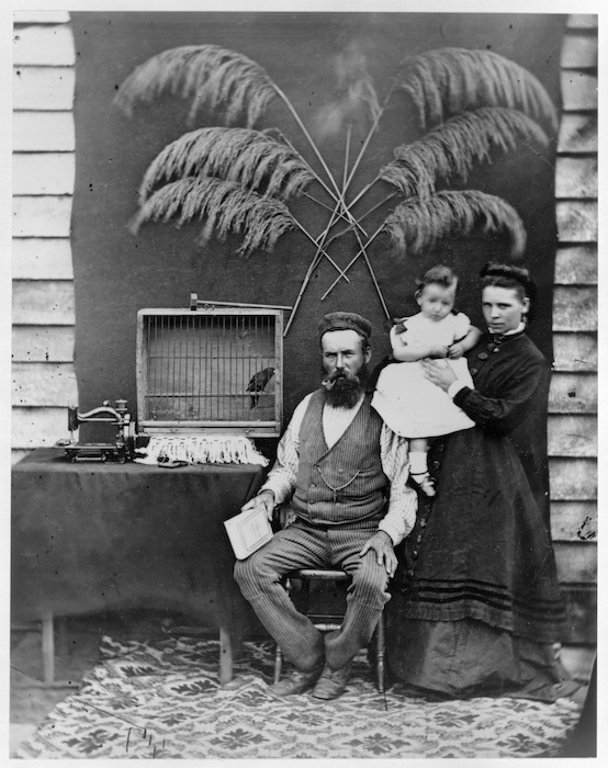 Unidentified Wanganui family and their possessions