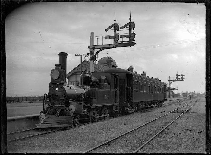 D Class steam locomotive, NZR no 197, 2-4-0T type, at Lower Hutt, 1906.