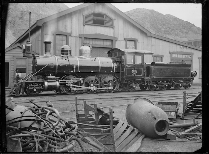 N class steam locomotive, NZR 34, 2-6-2 type.