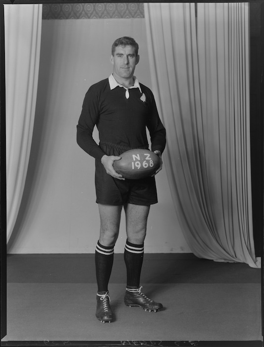 Colin Earl Meads