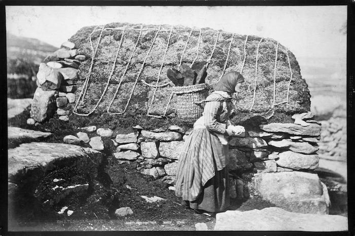 Shetland woman knitting