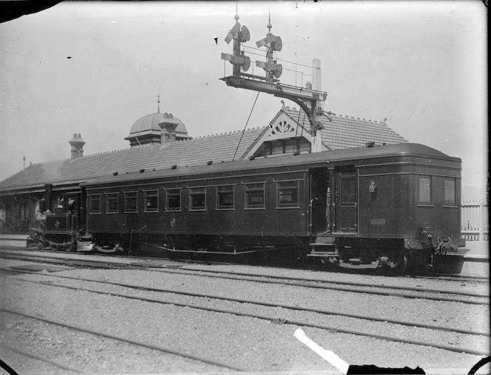D Class steam locomotive NZR no 197 at Lower Hutt Railway Station, 1906