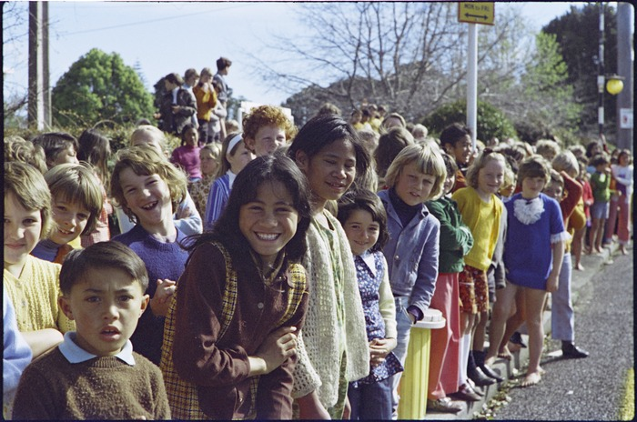Schoolchildren line roadside to watch Maori Land March pass, Northland