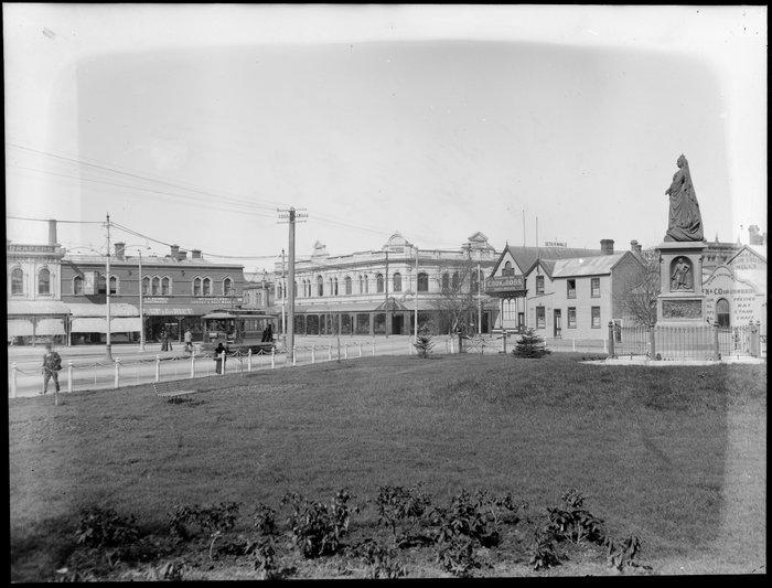 Victoria Square, Christchurch, with statue of Queen Victoria