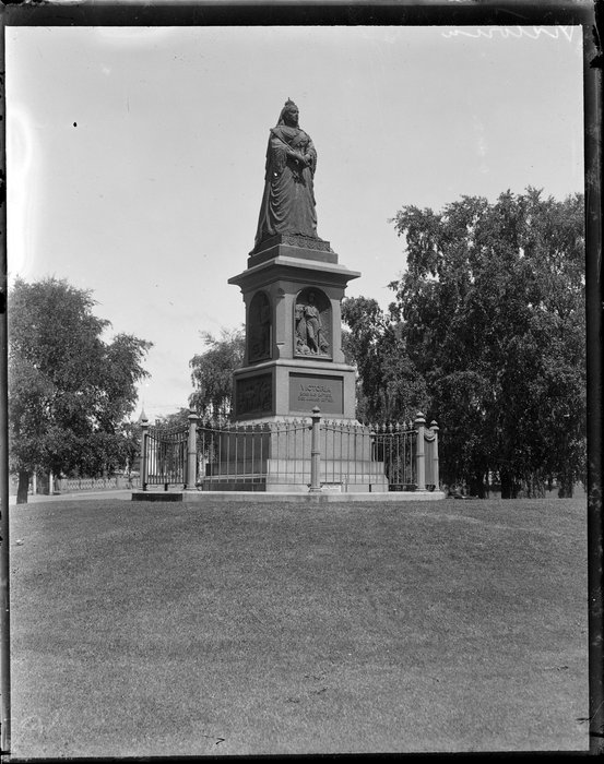 Statue of Queen Victoria, Victoria Square, Christchurch