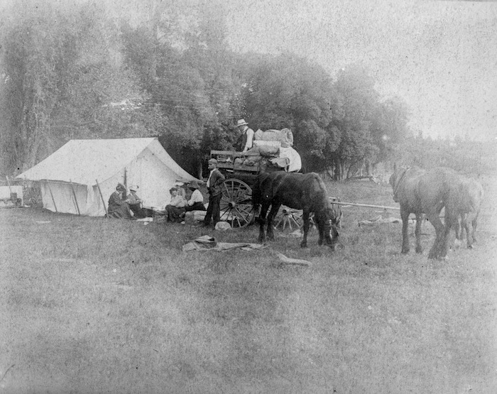 Katherine Mansfield and friends on camping holiday, Hawkes Bay