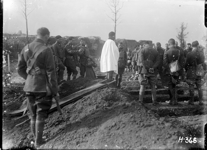 Pioneer Battalion soldiers at the funeral of Lieutenant-Colonel George A King, Ypres