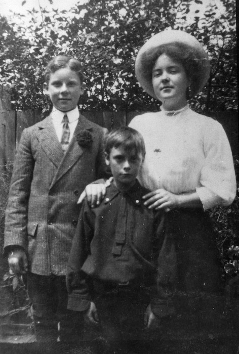 Leslie Heron Beauchamp, Katherine Mansfield and Brian Derry