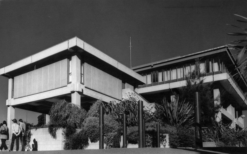 Civic Administration Building, Fergusson Drive.