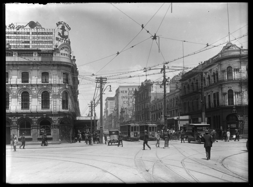 Looking south up Queen Street from the Customs Street....