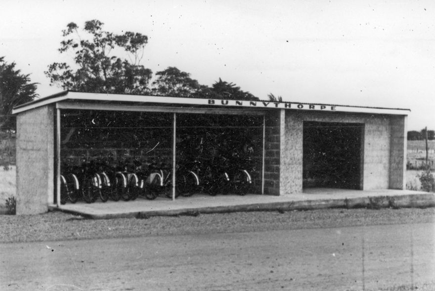 Bus Shelter, Bunnythorpe