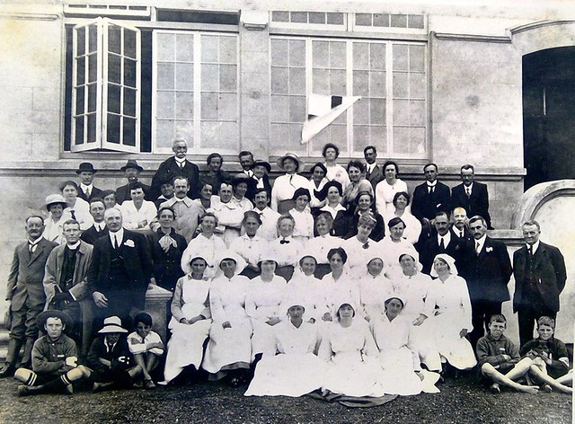 Volunteer medical and support staff outside Northcote Infants School - 1918 Influenza