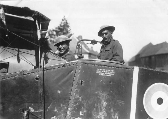 Members of the Maori Pioneer Battalion in plane