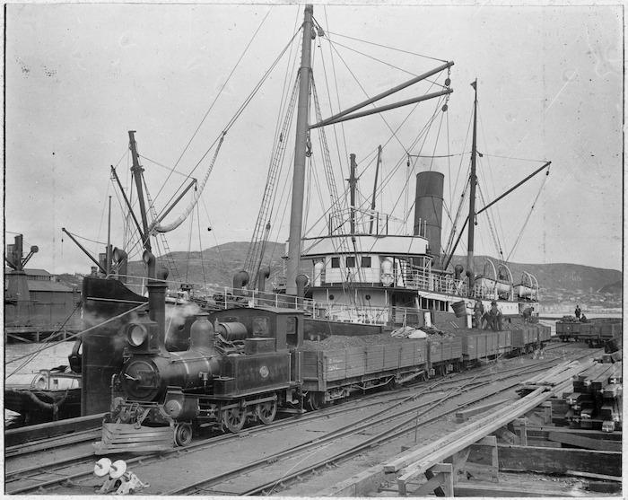 Mapourika, Railway Wharf, Wellington