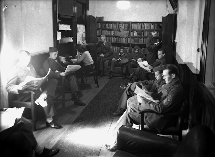 United States troops reading books and newspapers at the Hotel Cecil in Wellington during World War II