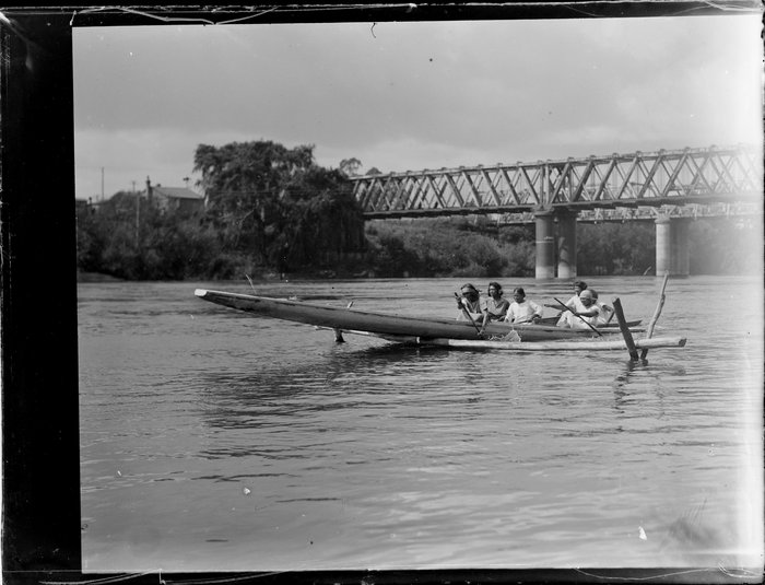Waka (canoe) hurdle races on the Waikato River
