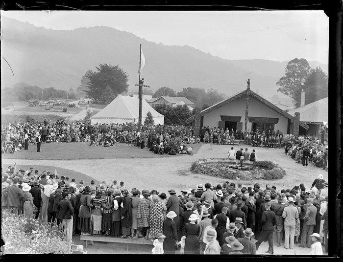Hui at Tūrangawaewae marae, Ngāruawāhia