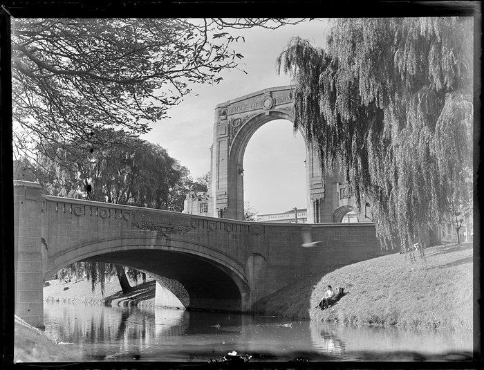 Avon River, including Bridge of Remembrance, Cashel Street, Christchurch