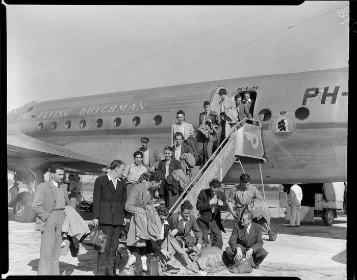 Annual Whenuapai KLM DC-4/C-54A aircraft, Dutch immigrant passengers disembarking