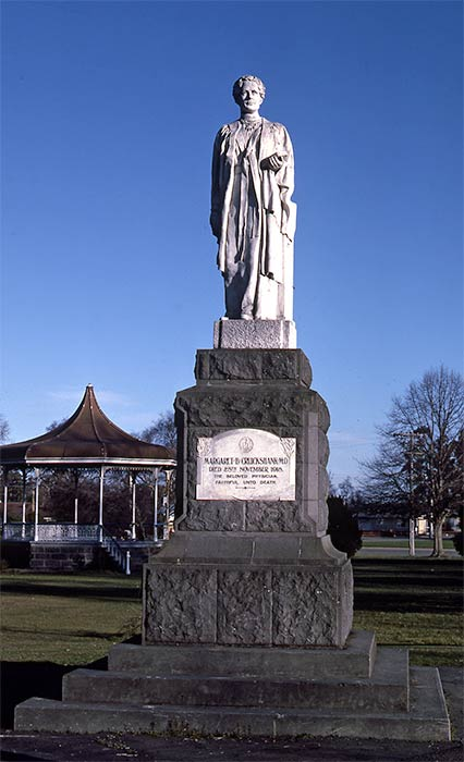 Statue of Margaret Cruickshank, Waimate