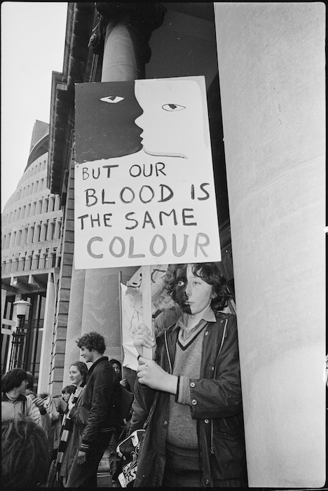 Anti-apartheid demonstrator Daniel Morgan-Lynch at Parliament Buildings, Wellington - Photograph taken by Peter Avery