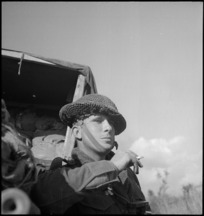 NZ sapper waiting to go forward on the Sangro River front, Italy, World War II - Photograph taken by George Kaye