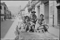 George F Kaye, 1914- (photographer) : Members of the Maori Battalion at Sora, Italy
