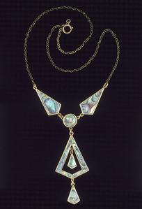 Artist unknown :Paua and gold necklace [in box labelled] Wilderness Gems of New Zealand. 1940s?]