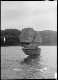 Pakawau Rock, Raglan Harbour, 1910 - Photograph taken by Gilmour Brothers