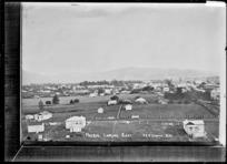 Paeroa, looking East, ca 1918 - Photograph taken by Fred. E Flatt