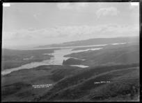 Opotoru Creek and bar, Raglan, 1910 - Photograph taken by Gilmour Brothers