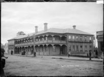 Hamilton Hotel, in Victoria Street, Hamilton, circa 1910s