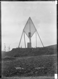 The beacon, Raglan, 1910 - Photograph taken by Gilmour Brothers