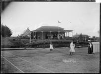 Tennis courts at Te Awamutu, ca 1910s