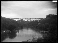 Victoria Bridge over the Waikato River at Cambridge, circa 1920s